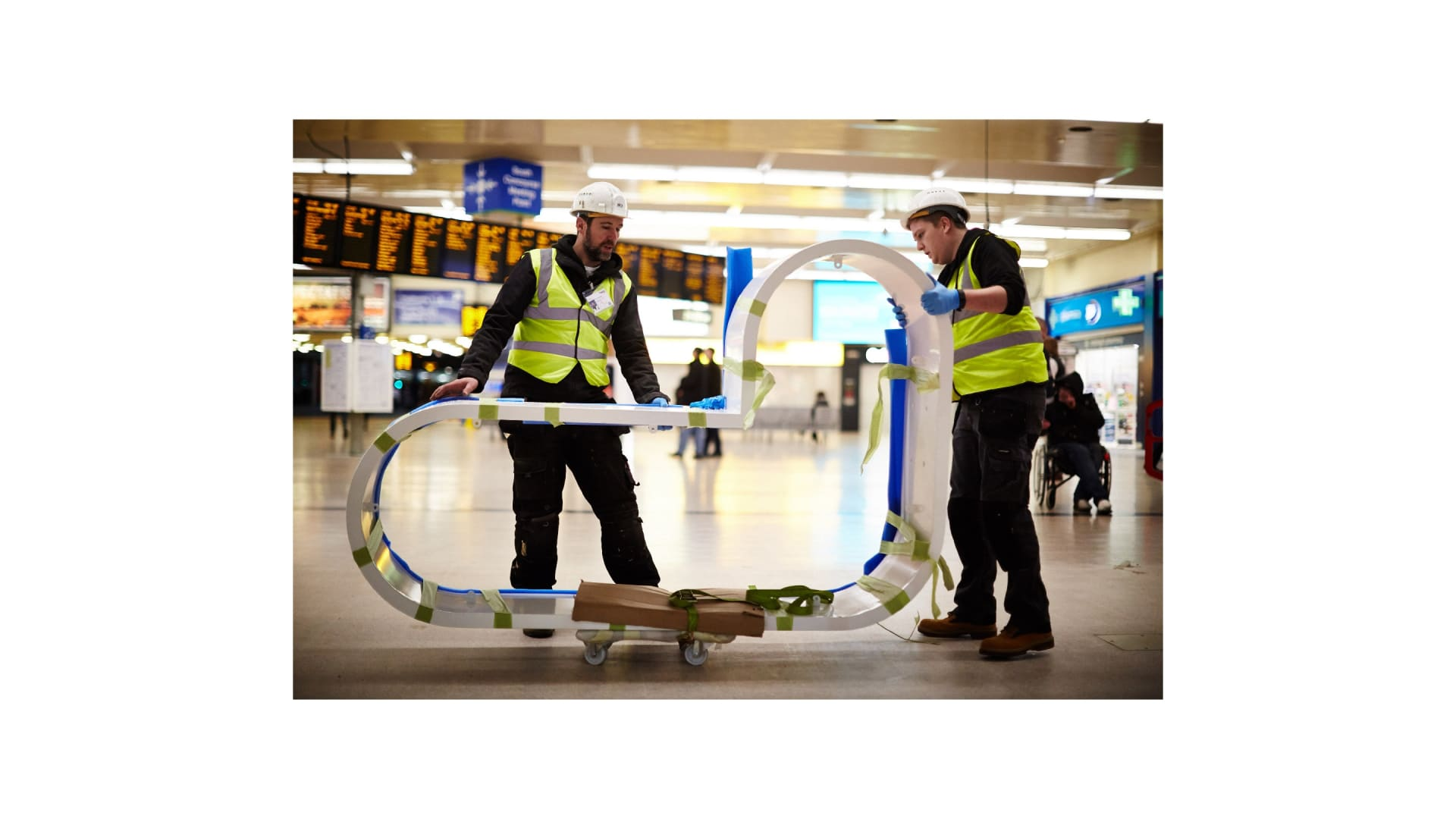 Leeds train station letter install