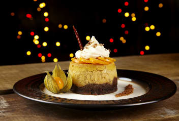 Pumpkin and Stem Ginger Cheesecake