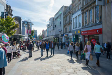 Northumberland Street with people shopping