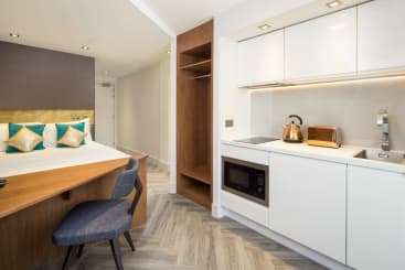 A Neo Suite at Roomzzz London Stratford