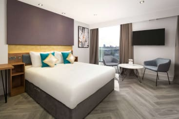 A grande suite at Roomzzz London Stratford