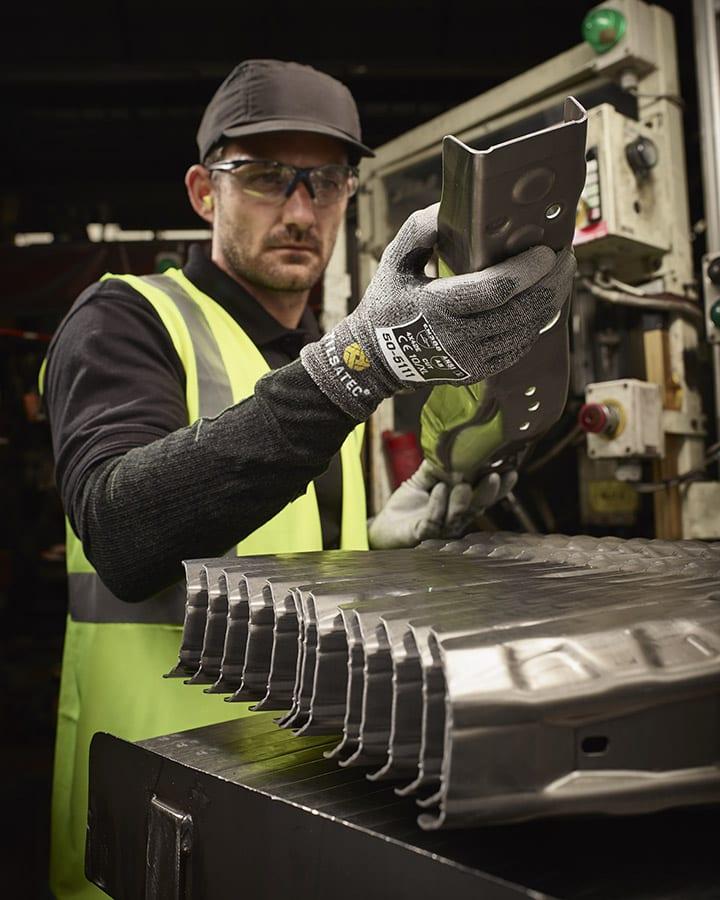 55-5123 cut resistant level E fully coated glove situ shot