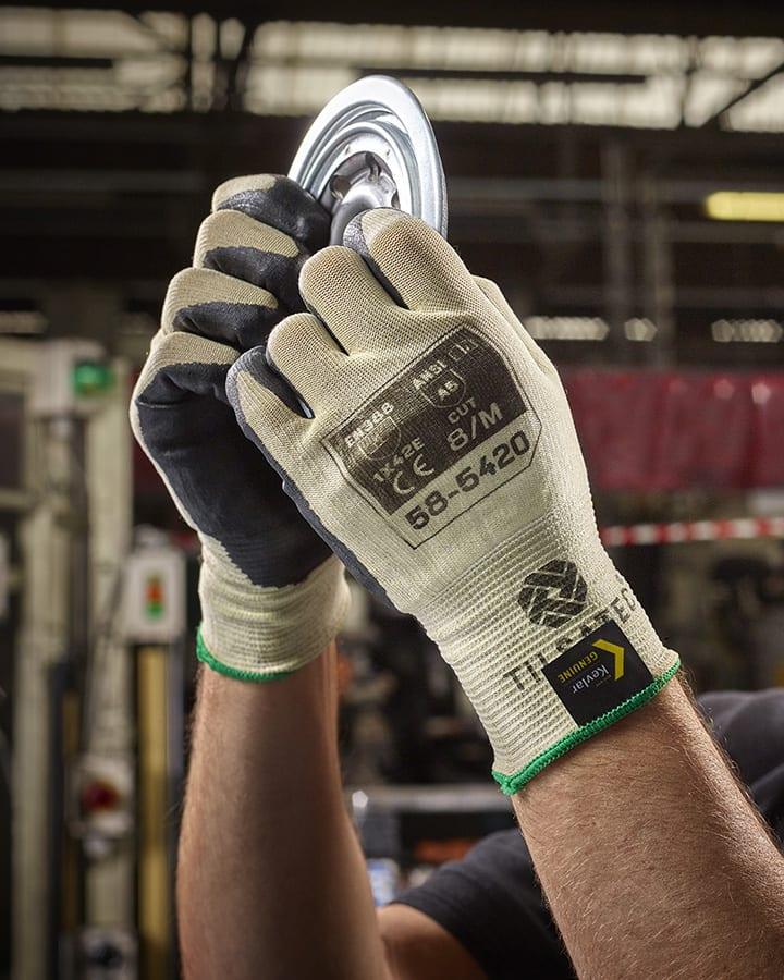 58-5420 18 gauge kevlar cut resistant level E glove